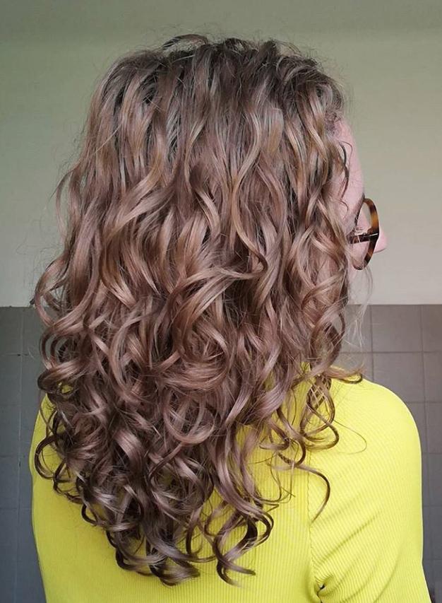 cheveux bouclés Ylanaé après Curls essentielle mag